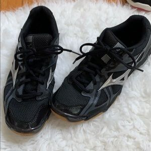 Volleyball sneakers